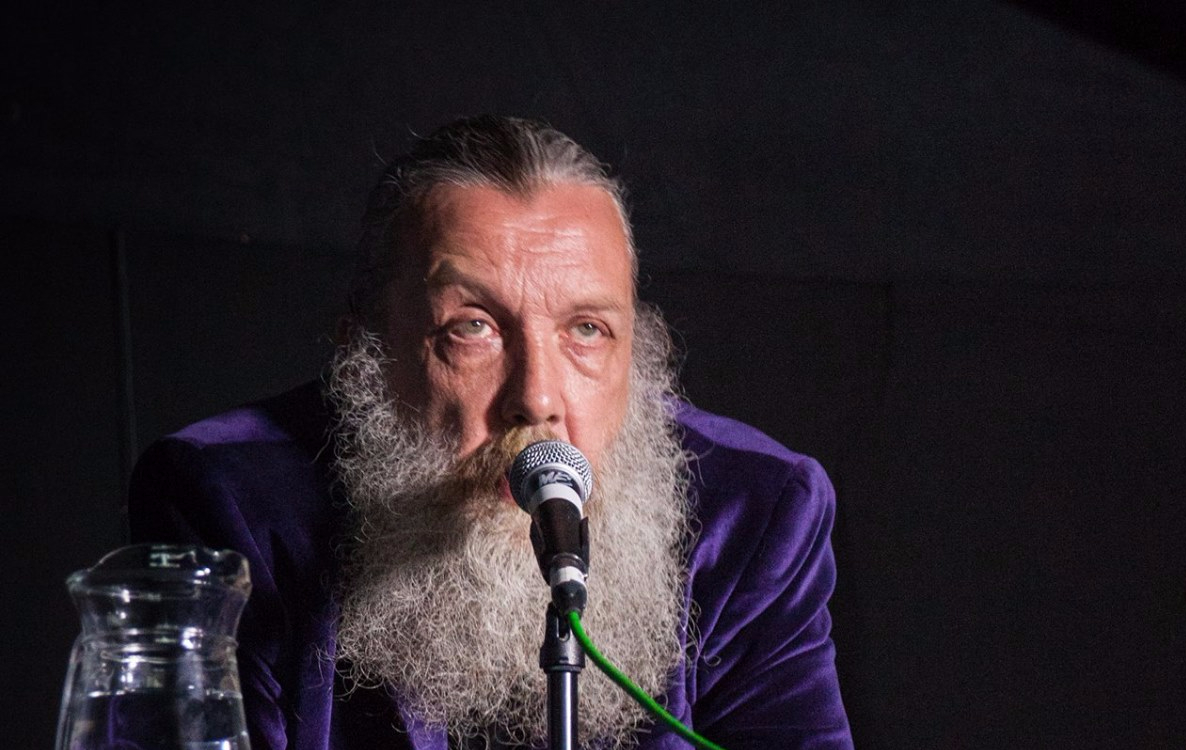 Alan Moore will scrap plan to shoot TV series in Northampton if libraries are closed